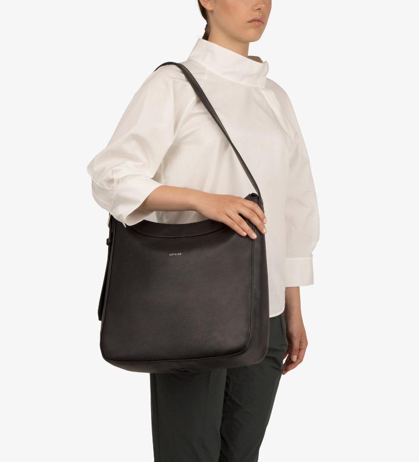 matt nat vegan glance shoulder bag black matt nat. Black Bedroom Furniture Sets. Home Design Ideas