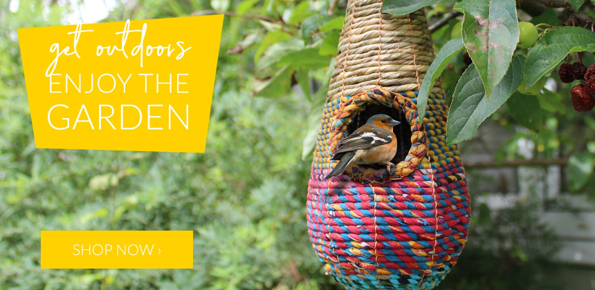 Enjoy the garden with sustainable accessories and wildlife-friendly products