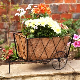 Smart Solar Traditional Metal Hay Cart Planter