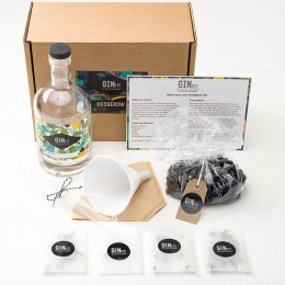 Make Your Own Sloe Gin Kit - The Hedgerow